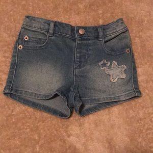 Light Denim Toddler Shorts w/ Stars 🌟🌟 NWT